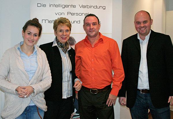von links: Wirtschaftsförderin Annette Hilpert, Bürgermeisterin Cornelia Irmer, Adler Unternehmsberatung-Geschäftsführer Christian Opperskalski, APM-Geschäftsführer Michael Linke.